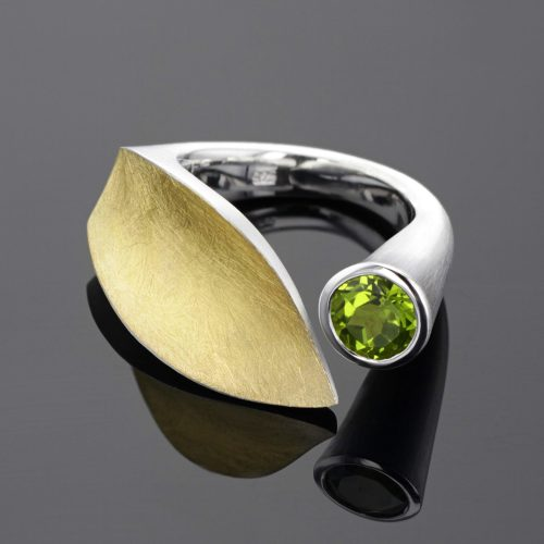 Leaf ring with green stone