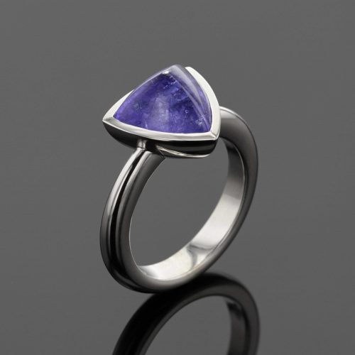 Tanzanite ring in white gold, Mauritius