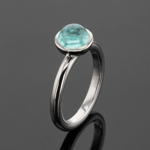 white gold ring with Paraiba Tourmaline cabochon,mauritius