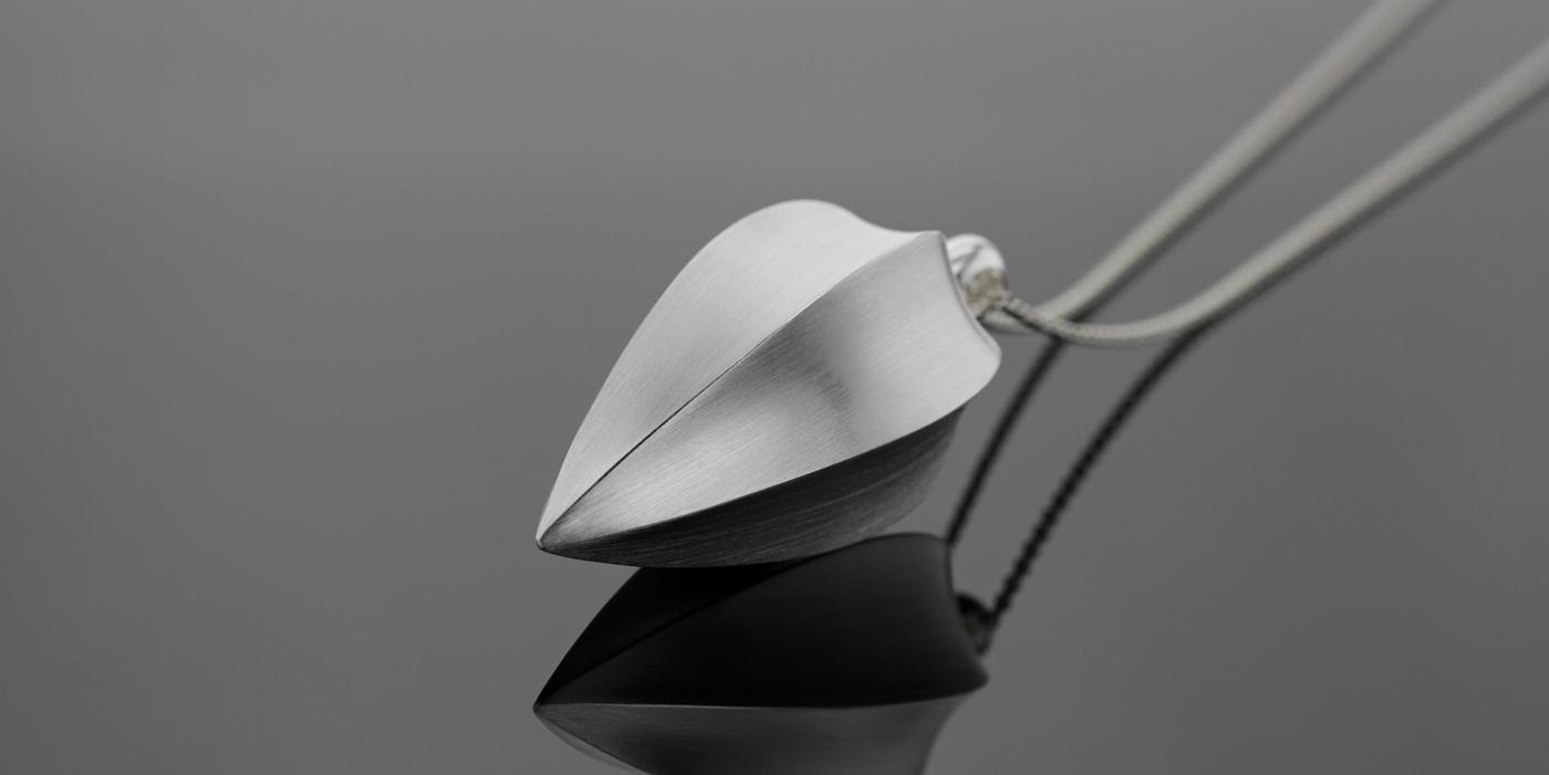 Modern silver pendant Mauritius