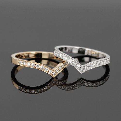 engagement rings in white and yellow gold with diamonds
