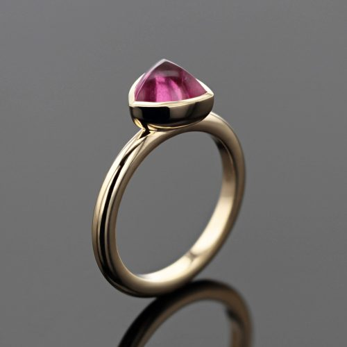 gold ring with pink Tourmaline cabochon made in Mauritius
