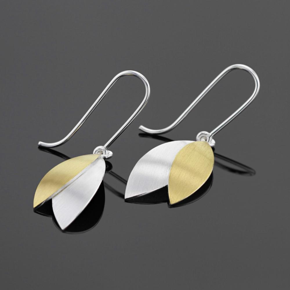 Petal earrings in silver