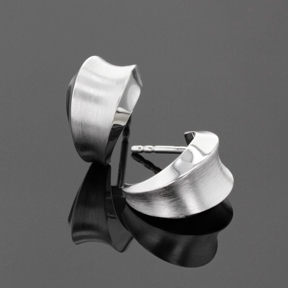 Matted silver earrings